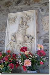 Cerisola: bassorilievo raffigurante la Madonna