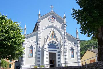 La chiesa di Santo Stefano d'Aveto (fotografia di Sandro Sbarbaro