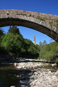 Il cosiddetto 'Ponte medioevale' a Rezzoaglio (fotografia di Giacomo Turco)
